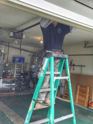 ETS GARAGE DOOR REPAIR EVERETT TECNICIANS WORK
